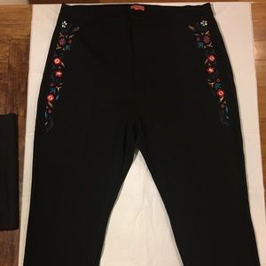 MODCLOTH Embroidered Pleated Pants 2X